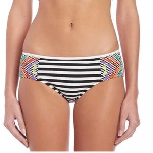 NWT💠Nanette Lepore Striped Embroidered Bottom